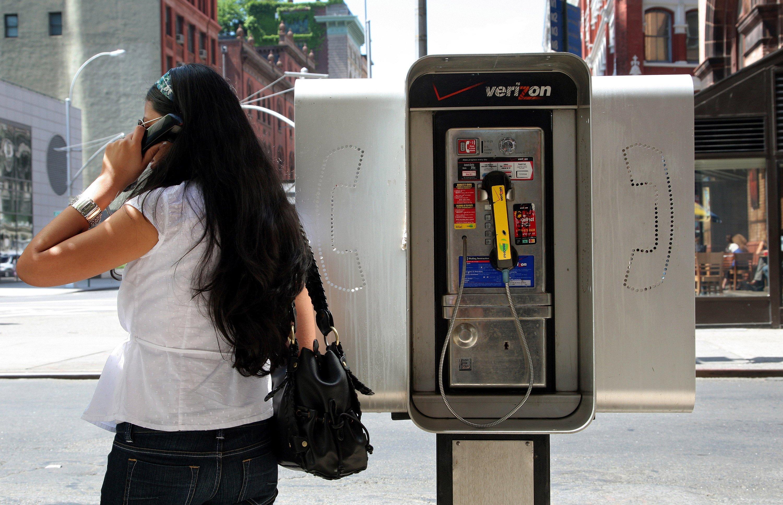 New York will 10.000 Telefonzellen umrüsten lassen, die in die Jahre gekommen sind. Das Internet auf den Straßen lässt sich die Stadt 200 Millionen US-Dollar kosten.