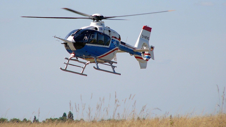 Der fliegende Hubschrauber-Simulator ACT/FHS des DLR basiert auf einem Serienhubschrauber des Typs Eurocopter EC 135.