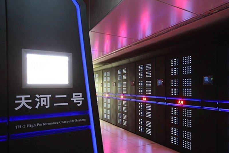 Der chinesischeTianhe-2 ist der aktuell mit Abstand leistungsfähigste Computer der Welt. Jetzt kontern die USA und wollen zwei Supercomputer bauen, die noch schneller rechnen können als die chinesische Nummer 1.