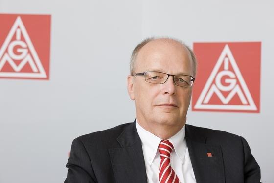 Der niedersächsische IG-Metall-Chef Hartmut Meine hält die Lohnforderungen von 5,5 Prozent für vernünftig. Bei VW rechnet Meine wegen des angekündigten Sparkurses mit besonders harten Tarifverhandlungen.