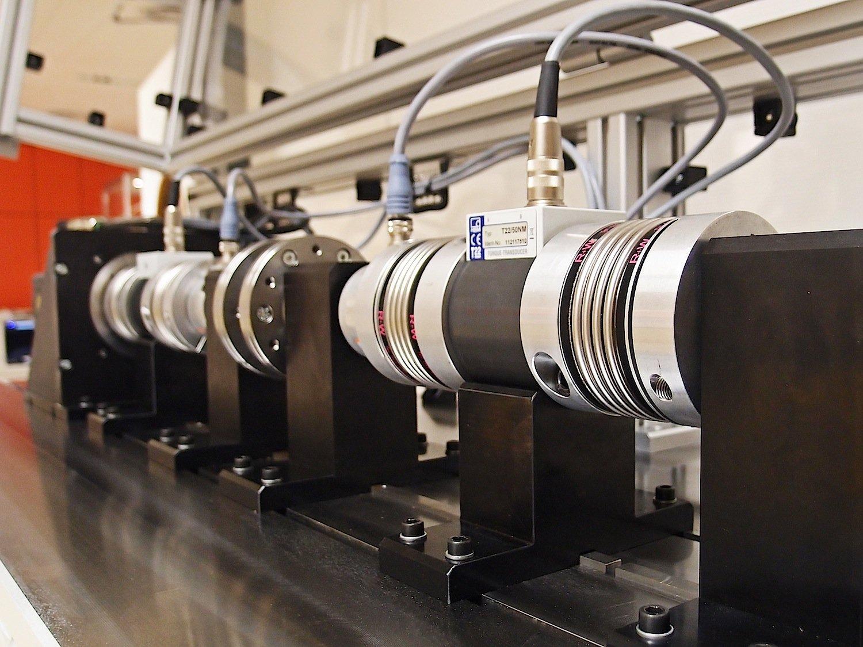 Die Technische Universität Wien präsentiert einen Prüfstand für Elastomerkupplungen. Er prüft Bauteile schon in frühem Entwicklungsstadium.