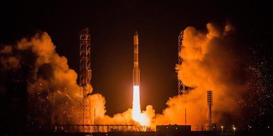 Start einer Proton-M-Rakete vom Weltraumbahnhof Baikonur in Kasachstan: Am Wochenende ist eine Proton-Rakete abgestürzt. Damit setzt sich die Pannenserie der russischen Raumfahrt fort.Bei russischen Missionen gab es seit 2008 sechs Fehlstarts mit der Proton-Rakete – bei ausländischen Missionen ging immer alles glatt.