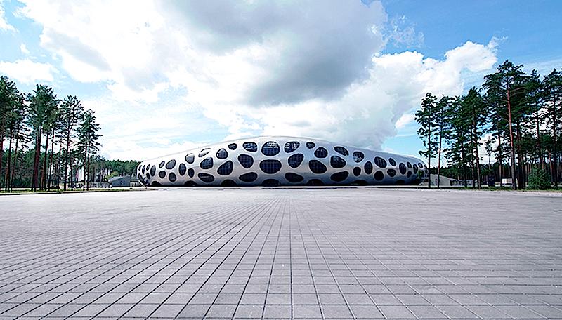 Das neue Fußballstadion in der weißrussischen Stadt Borisov: Die Aluminiumhaut lieferte das Unternehmen Boehme Systems aus Sachsen.