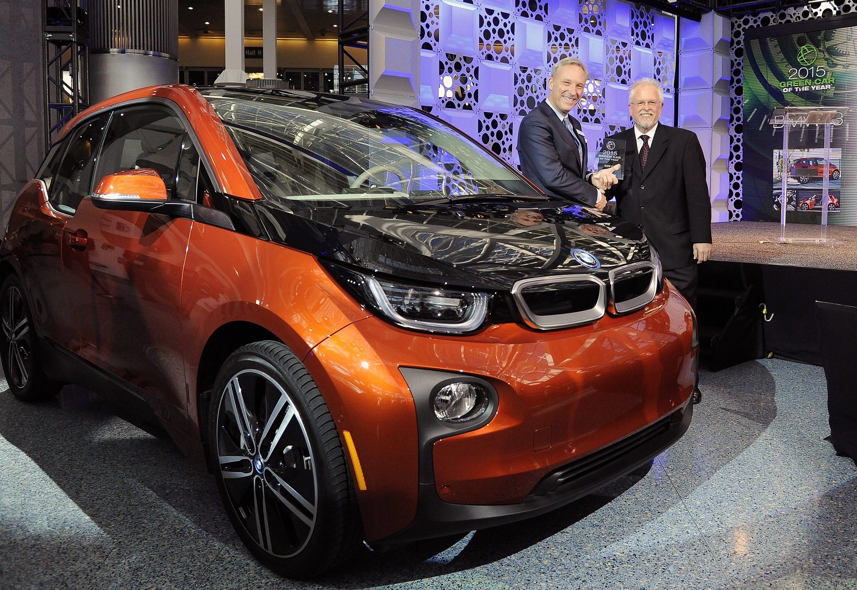 Elektroauto i3 von BMW auf der LA Auto Show: BMW ist aber nicht nur mit Elektroautos vertreten, sondern auch mit großen Limousinen und SUV, die sich in Kalifornien besonders gut verkaufen.