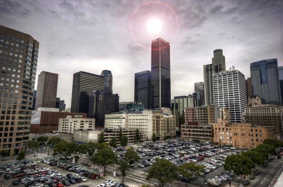 Los Angeles bei Hitze am Tag: Ein Unternehmen will günstigen Nachtstrom nutzen, um Eis herzustellen, das tagsüber genutzt wird, um Büros zu kühlen.