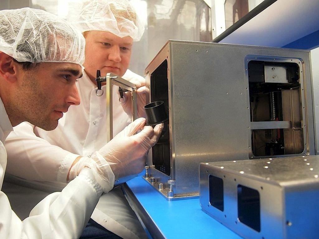 Die Ingenieure Mike Snyder (r.) und Jason Dunn, JTechnikchef von