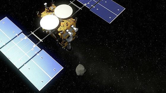 Nach vierjähriger Flugzeit soll Mascot den Asteroiden 1999 JU3 erreichen. Er hat sich in den letzten 4,5 Milliarden Jahren kaum verändert und soll Forschern Geheimnisse rund um die Entstehung des Sonnensystems verraten.
