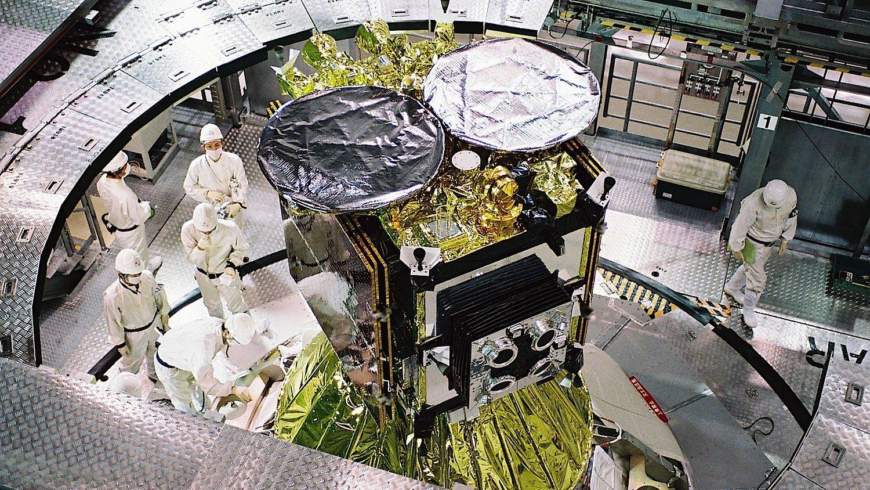 Die Hayabusa-2-Sonde der japanischen Raumfahrtagentur Jaxa. Sie wird am Tanegashima Space Centre ins All starten – sobald das Wetter mitspielt.