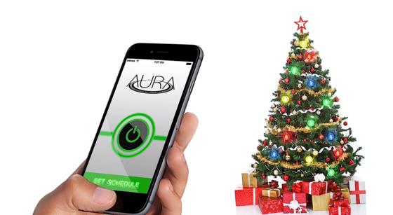 Der Powerring unter dem Weihnachtsbaum versorgt die LED-Kugeln mit Energie. Einschalten lässt er sich mit dem Smartphone.