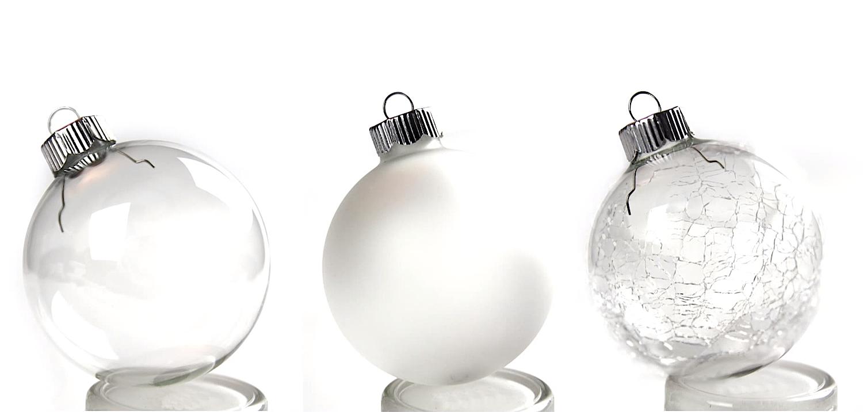 Die LED-Kugeln gibt es in verschiedenen Varianten aus klarem, gesplittertem oder gefrostetem Glas in weiß oder mehrfarbig.