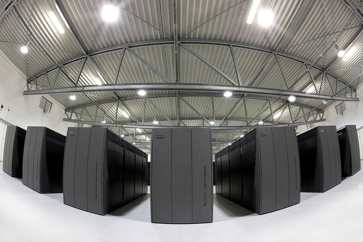 Hermit hat jetzt ausgedient. Schon bei seiner Beschaffung wurde die Betriebslaufzeit auf drei Jahre beschränkt, da durch die kontinuierliche und rasche Weiterentwicklung der Computertechnologien nach dieser Zeitspanne Rechner und Technologie ohnehin schon veraltet sind.