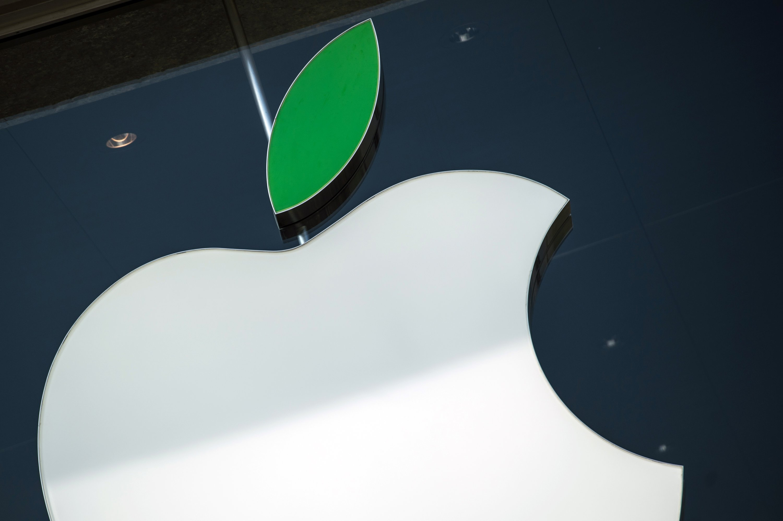 Ein großes Stück vom Apfel nagte gestern die Börse ab: In wenigen Sekunden verlor Apple 40 Milliarden Dollar an Wert. Der Aktienkurs fiel vorübergehend um 6,2 Prozent.