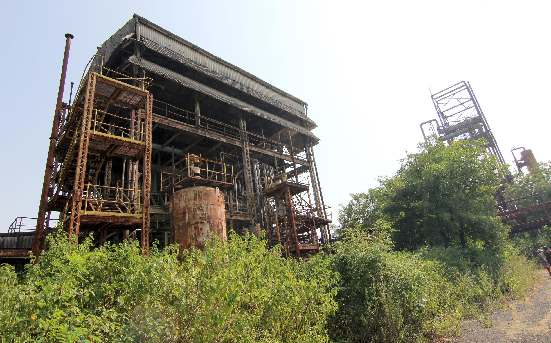 So sieht das alte Fabrikgebäude der Union Carbide Fabrik heute aus – 30 Jahre nach der Explosion, die eine tödliche Giftwolke in die Stadt schickte.
