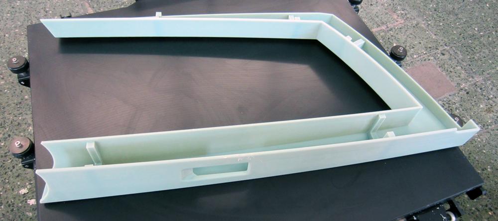 Bis zu ein Meter große Karosserieteile kann der 3D-DruckerObjet1000 von Stratasys herstellen.