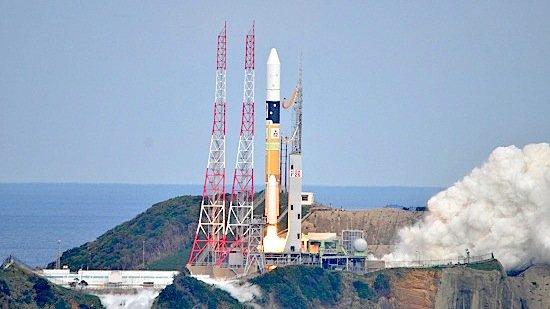 Am 3. Dezember 2014 strtete um 5.22 Uhr mitteleuropäischer Zeit die japanische Hayabusa2-Sonde mit dem Asteroidenlander Mascot des Deutschen Zentrums für Luft- und Raumfahrt (DLR) an Bord zu seinem Ziel, dem Asteroiden 1999 JU3.