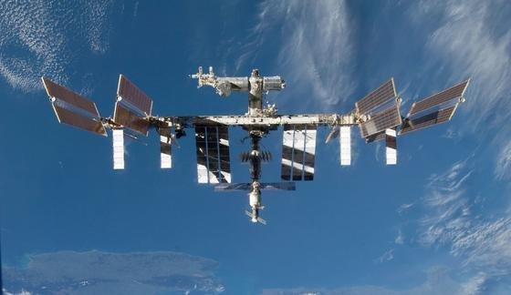 Die Internationale Raumstation ISS: Ende Juli hat Alexander Gerst das Experiment des DLR installiert. Jetzt erforschen die Wissenschaftler das Prinzip des Schutzschilds der Erde.
