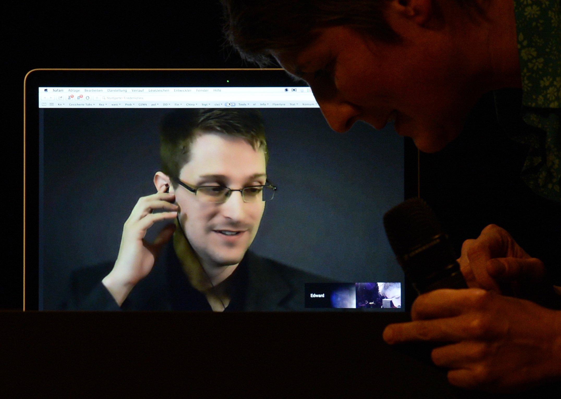 Die Informationen über die NSA-Spionage unter Mobilfunkanbietern stammt aus Unterlagen Edward Snowdens, die unabhängige Journalisten des Magazins The Intercept auswerten.