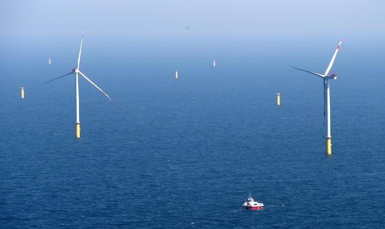 Wartungs- und Reparaturarbeiten an Offshore-Windanlagen sind besonders aufwändig. Durch das neue Kühlsystem lassen sie sich minimieren.