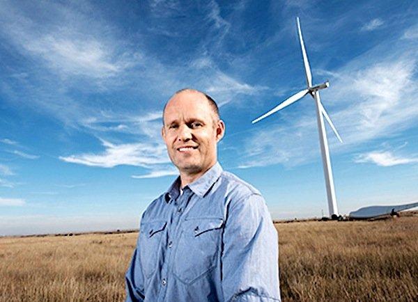 Siemens-Ingenieur Uffe Eriksen (44) will Windkraftanlagen zu einer echten Alternative zu fossilen Energiequellen machen. Der Däne hat Lösungen entwickelt, wie Generator und Hauptlager effizienter und umweltfreundlicher gekühlt werden können. Dabei vereinfachen die neuen Technologien die Konstruktion der Anlagen und sorgen für bessere Leistung.