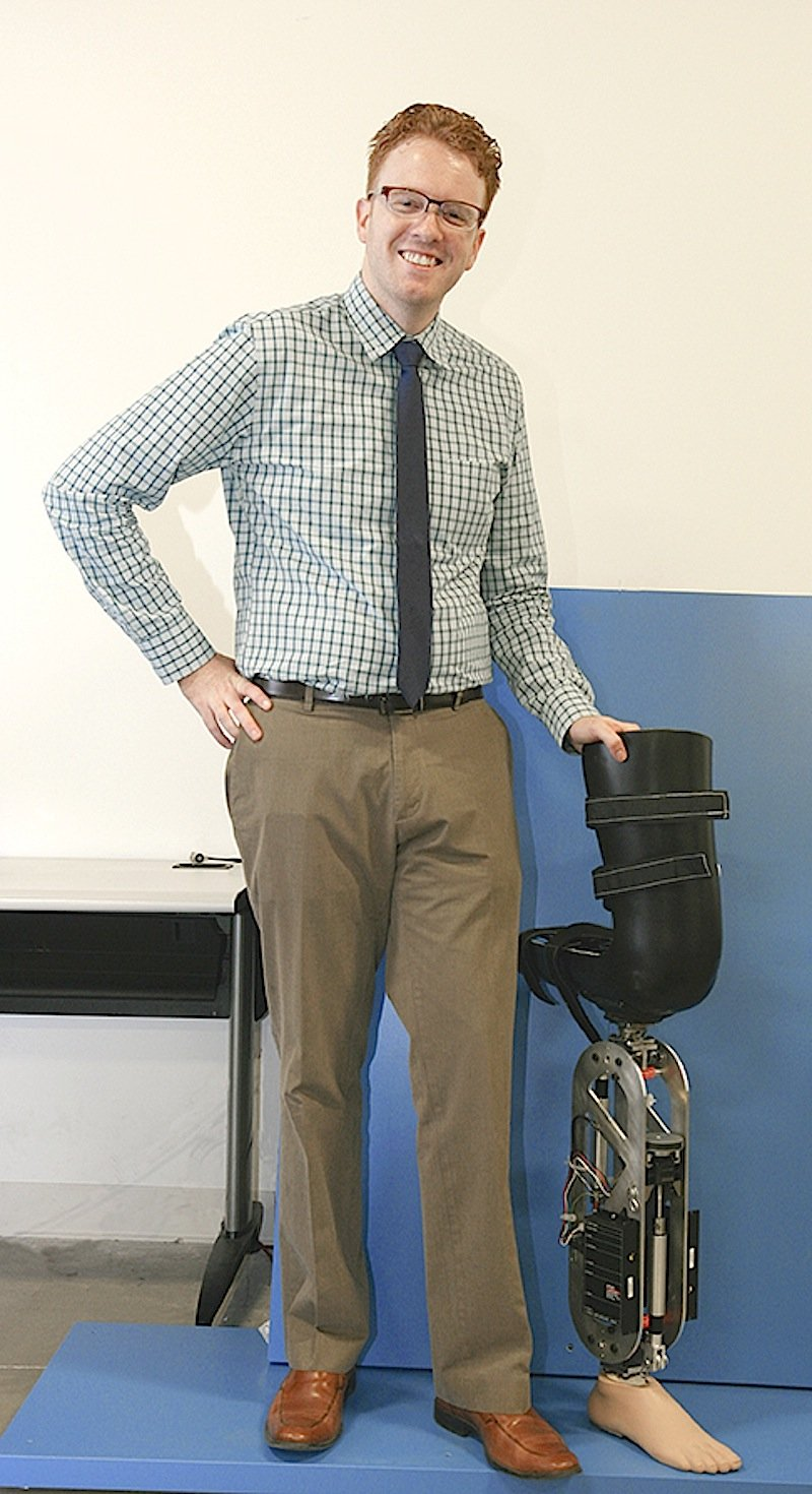Maschinen- und Biotechniker Robert Gregg entwickelt die intelligenten Steuerungen, die Trägern von Prothesen mehr Bewegungsfreiheit ermöglichen sollen.