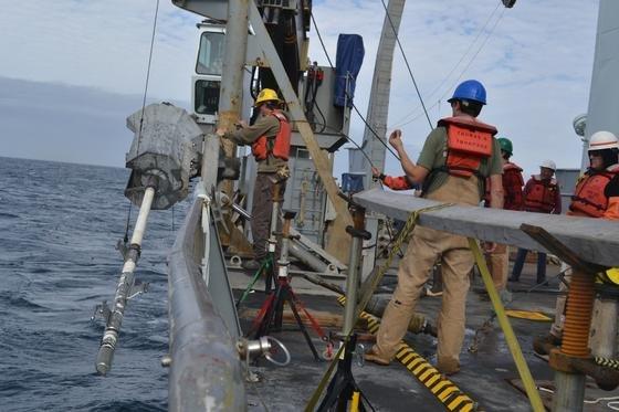 Die Forscher führten in den Tiefen des Meeres Kernbohrungen durch und verglichen die Ergebnisse mit ihren Berechnungen.