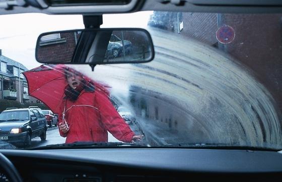 Die Flüssigkeit in der Scheibenwaschanlage von Autos kann möglicherweise krankheitserregend sein.