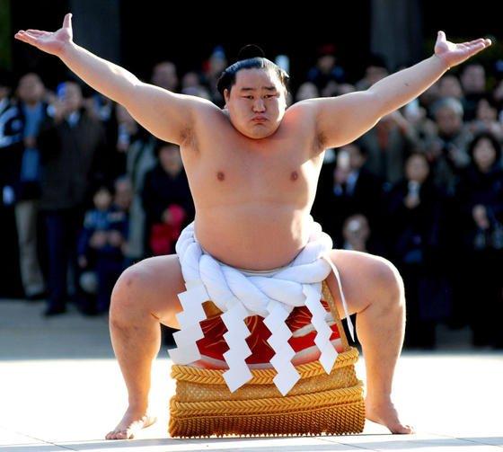Ein Sumo-Großmeister wie aus dem Buche: Heutzutage betreiben auch Roboter den Traditionssport. Die Faszination ist eine andere.