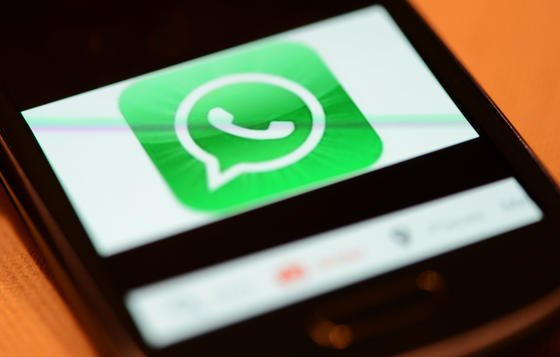 Bislang kann WhatsApp nur übers Smartphone genutzt werden. Offenbar arbeitet das Unternehmen aber an einer Web-Version.