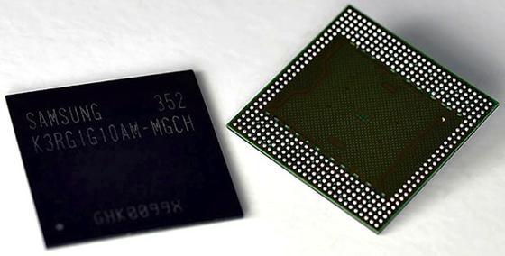 Der neue mobile DRAM-Speicherchip von Samsung eignet sich besonders für Tablets und Smartphones mit großem Bildschirm und hoher Auflösung. Bei doppelter Kapazität verbraucht er 40 Prozent weniger Strom als sein Vorgänger.