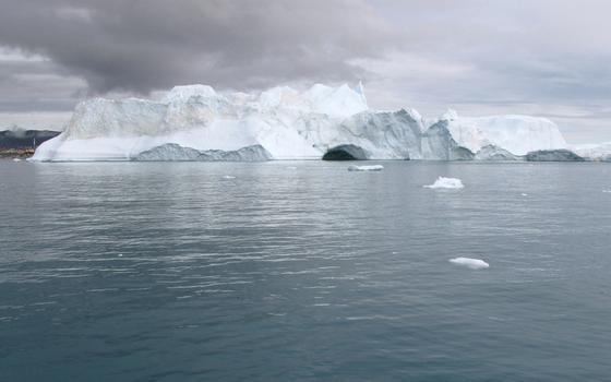 Allein durch das Schmelzwasser aus Grönland könnte das Meeresspiegel bis Ende des Jahrhunderts um 22 Zentimeter steigen. Der Weltklimarat IPCC ging bislang in schlimmsten Fall von 84 Millimetern aus.