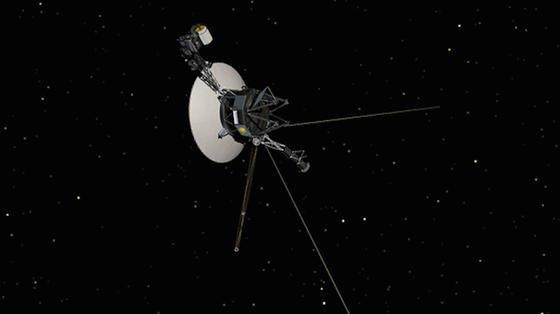 Seit 1977 im All unterwegs: die Raumsonde Voyager 1. Vor zweieinhalb Jahren hat sie das Sonnensystem verlassen und fliegt durch den interstellaren Raum.