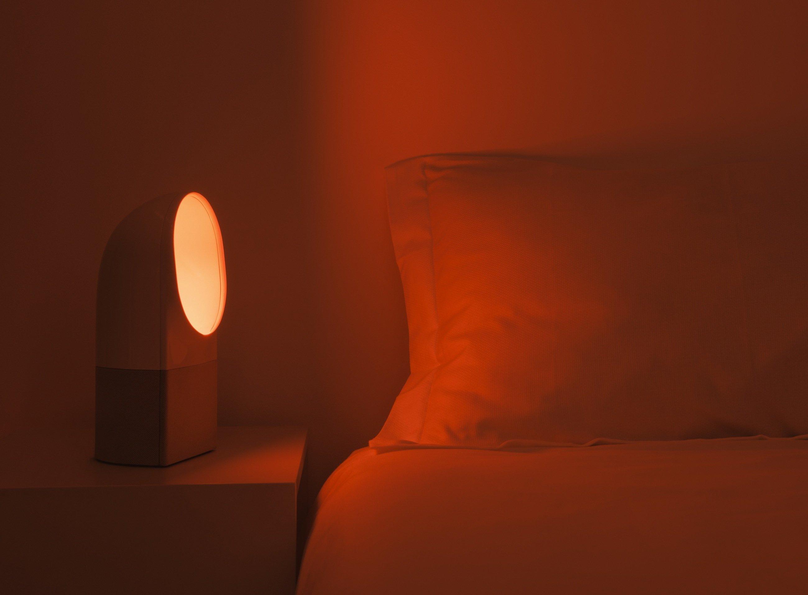 Auf eine Kombination aus Licht und Ton setzt das französische Unternehmen Withings, um einen erholsameren Schlaf zu fördern.