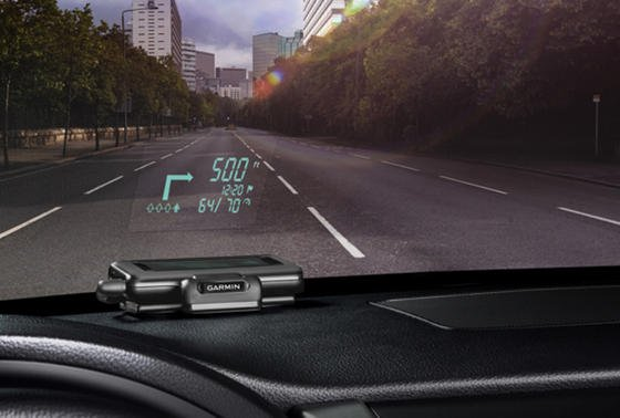 Das Head up Display HUD+ von Garmin kommt mit einer kostenlosen Navi-App.