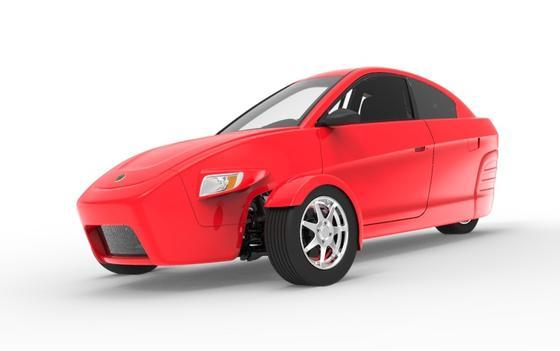 Seinen ungewöhnlichen Kleinwagen auf drei Rädern hat Elio Motors jetzt auf der CES der Öffentlichkeit vorgestellt. Die Serienproduktion soll Anfang 2015 anlaufen.