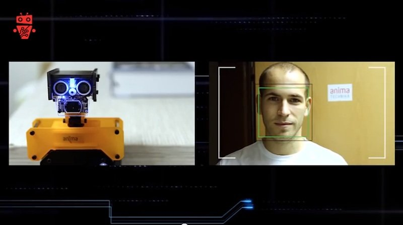 Das Haupt-Modul des PiKit-Systems ist unter anderem mit einer HD-Kamera und Mikrofon ausgestattet.