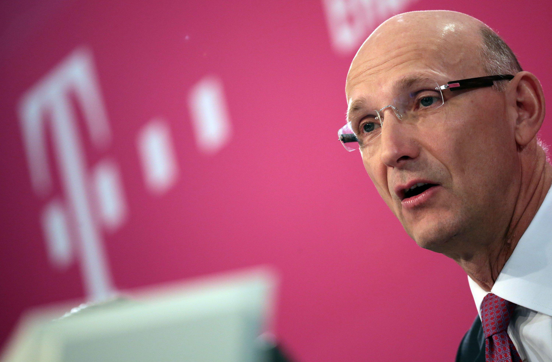 Telekom-Chef Timotheus Höttges will sich nach Medienberichten von T-Online trennen.