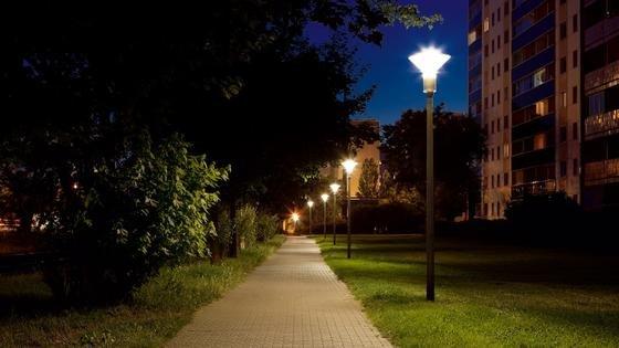 Die CitySpirit-LED von Philips: Im Vergleich zu einer Anlage mit den weit verbreiteten 80 Watt Quecksilberdampflampen sparen die Leuchtdioden rund 70 Prozent Energie. Panketal (Brandenburg) hat diese Leuchte als erste bundesdeutsche Gemeinde im großen Umfang installiert.
