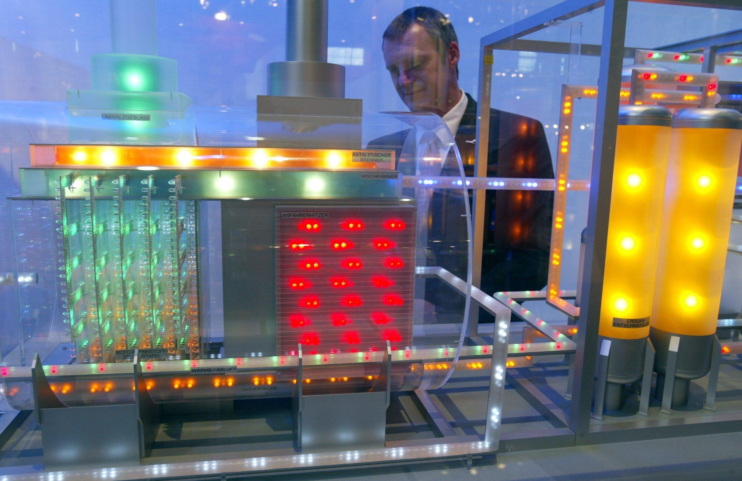 Modell einer Brennstoffzelle mit Kraft-Wärme-Kopplung: Die Unternehmensberatung Roland Berger glaubt aus Kostengründen an keinen Markterfolg.