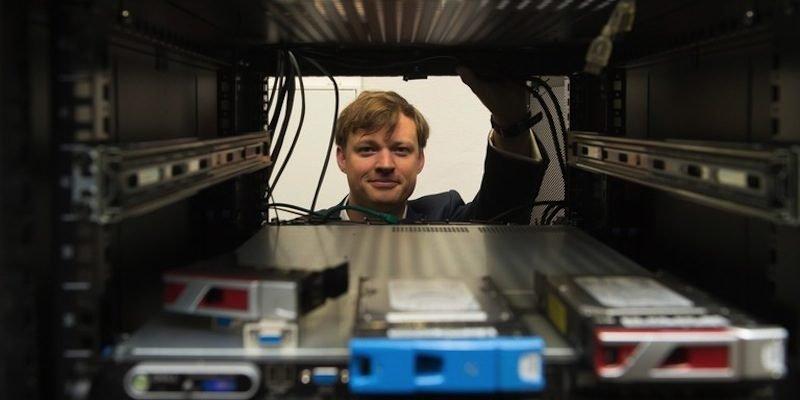 Junior-Professor Alexander Markowetz von der Bonner Uni warnt vor einem digitalen Burnout.