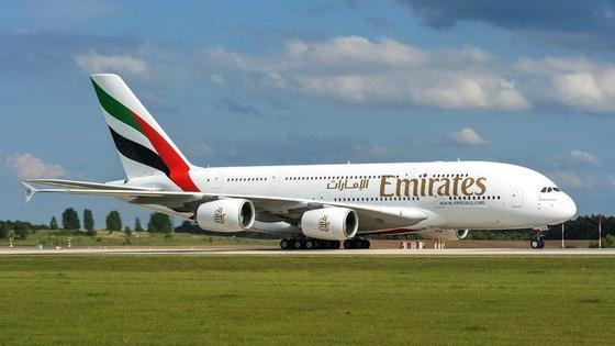 Emirates präsentiert auf der ILA ein neues Exemplar des Airbus A380 aus der eigenen Flotte. Das größte Passagierflugzeug der Welt bietet über 800 Passagieren Platz.