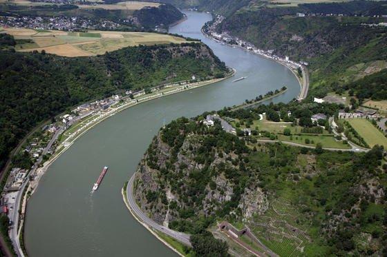 In Worms ist die Lanthankonzentration im Rheinwasser sprunghaft auf 49 Milligramm pro Liter gestiegen. Flussabwärts erstreckt sich die Belastung über eine Länge von 400 Kilometern. Die Forscher stellten auch zu hohe Konzentrationen der SeltenerdmetalleSamarium und Gadolinium fest.