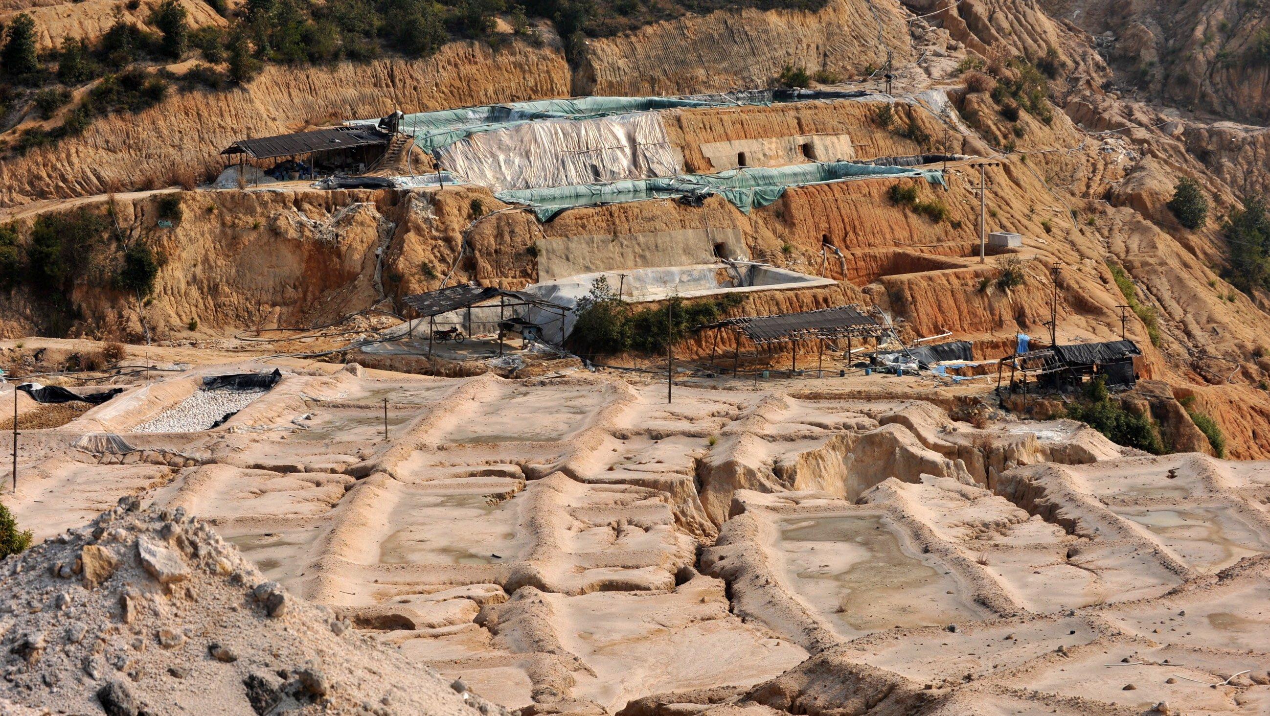 Abbau Seltener Erden in China: Das Land ist faktisch Monopolist bei der Lieferung dieser begehrten Rohstoffe, die vor allem in Hightech-Geräten unverzichtbar sind.