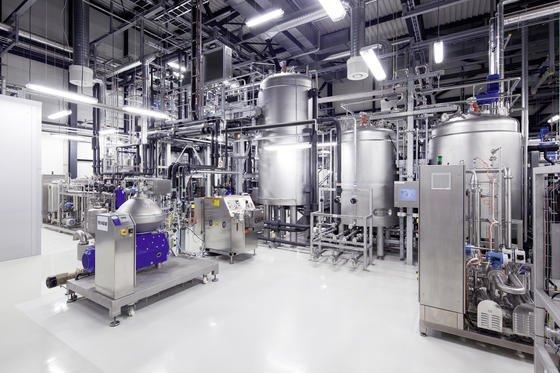 In dieser Anlage soll umweltfreundliches Bio-Benzin entwickelt und produziert werden. Dazu hat Audi eine Partnerschaft mit Global Bioenergies geschlossen.