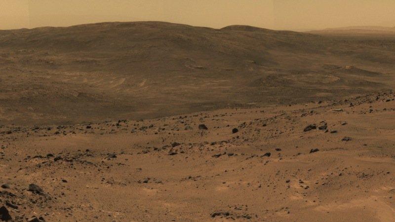 Dieser Ausblick bietet sich dem Marsrover Opportunity seit zehn Jahren Tag für Tag. Doch in der frühen Marsgeschichte sah es hier anders aus, wesentlich lebensfreundlicher und wasserreicher. Das belegen neue Gesteinsproben, die Opportunity untersucht hat.