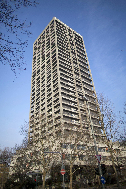 Der AfE-Turm der Goethe-Universität in Frankfurt am Main ist 116 Meter hoch und soll am 2. Februar gesprengt werden. In Europa wurde noch kein so hohes Gebäude gesprengt.