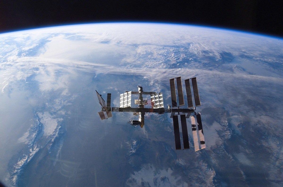 Rund 350 Kilometer über der Erde kreist die Internationale Raumstation ISS.