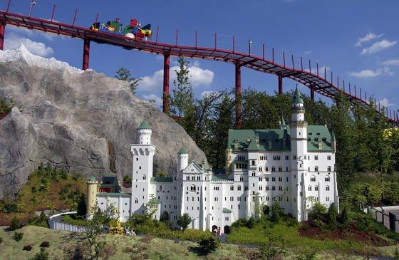 Schloss Neuschwanstein aus Lego: Jetzt kann auch im Netz virtuell gebaut werden.