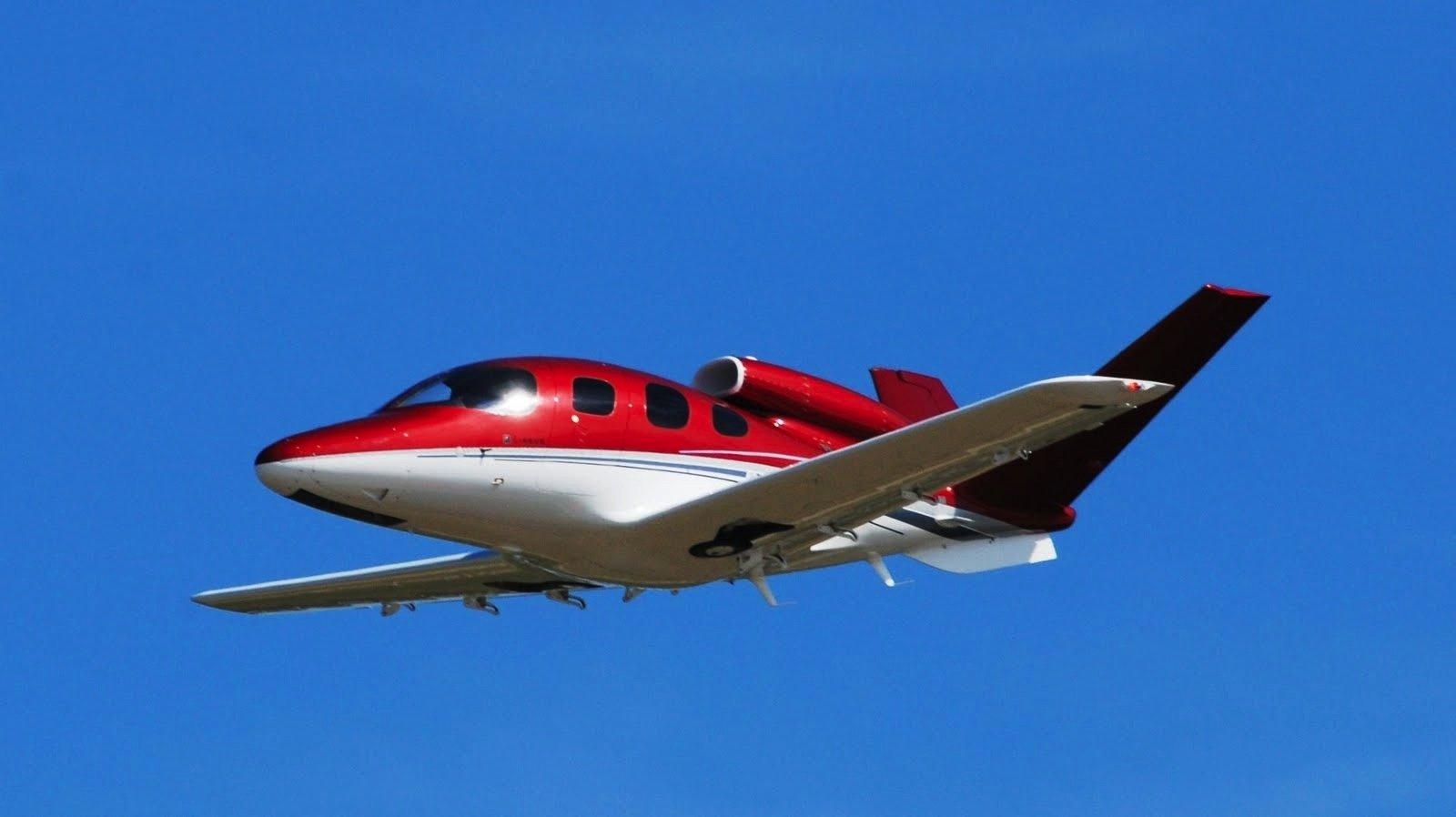 Den Mini-Jet Cirrus Vision SF50 gibt es jetzt mit Rettungsfallschirm für das Flugzeug.