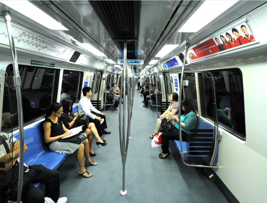 Fahrerlose Züge sind die Menschen in Singapur gewohnt. Dort wird seit 2003 die mit 20 Kilometern längste fahrerlose Strecke der Welt betrieben.