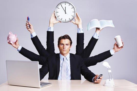 Multitasking: Nach einer neuen Studie beeinträchtigt das simultane Erledigen verschiedener Arbeiten nicht nur die Ausführung der einzelnen Aufgaben, sondern beeinträchtigt auch die Fehlererkennung und -verarbeitung.
